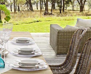 arredamento da giardino, vasta gamma di prodotti di arredo garden, vieni nel ns showroom un ampia esposizione di arredi da giardino di qualità , tavoli e sedie in teak,iroko, tavoli e sedie in mosaico dondoli gazebi ombrelloni e tanto altro ancora